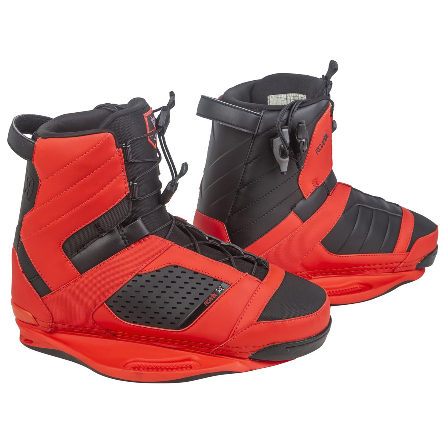 Ronix District Wakeboard + Cocktail Bindings 2016