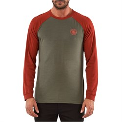 MONS ROYALE Icon Raglan Long-Sleeve Shirt