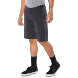 Dakine Syncline Shorts w​/ Liner