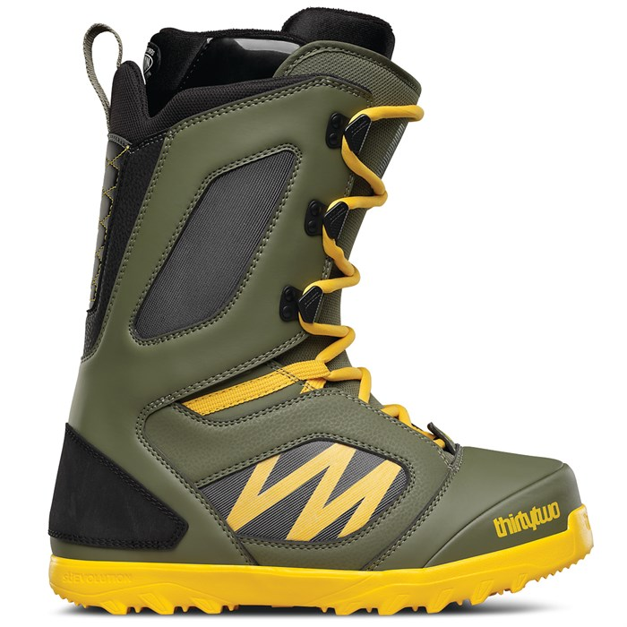 32 - Light Snowboard Boots 2016
