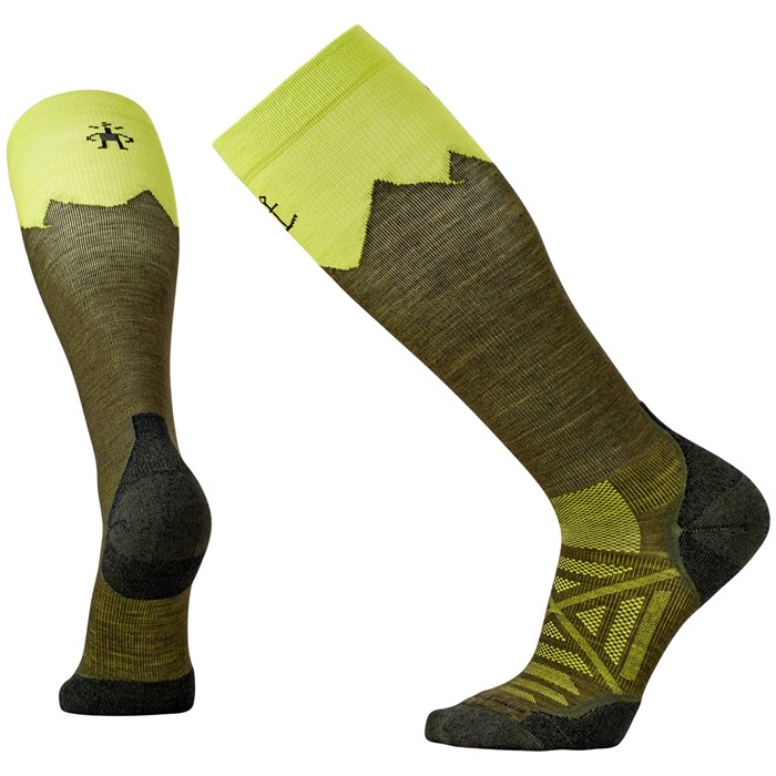 Flaunt your fun-loving spirit without sacrificing cushion, support, or breathability with the Smartwool Jovian Stripe socks. This sock features full cushioning, supportive arch brace, and comfort that must be felt to be believed.