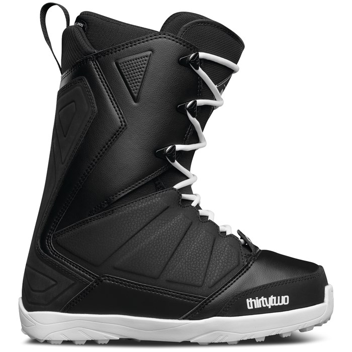 32 - Lashed Snowboard Boots 2017