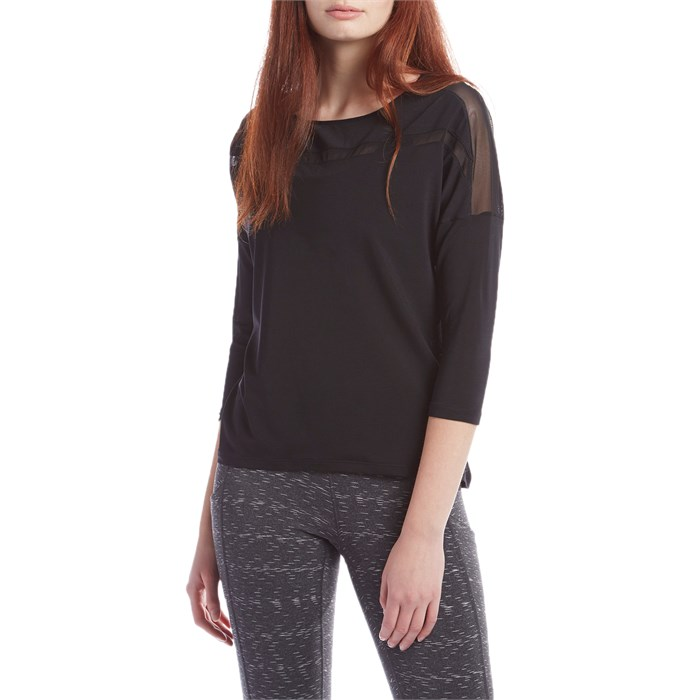 Lucy - Light and Free Long-Sleeve Top - Women's