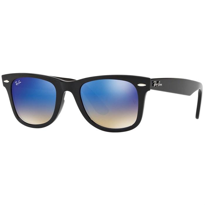 Ray Ban - Wayfarer Ease Sunglasses