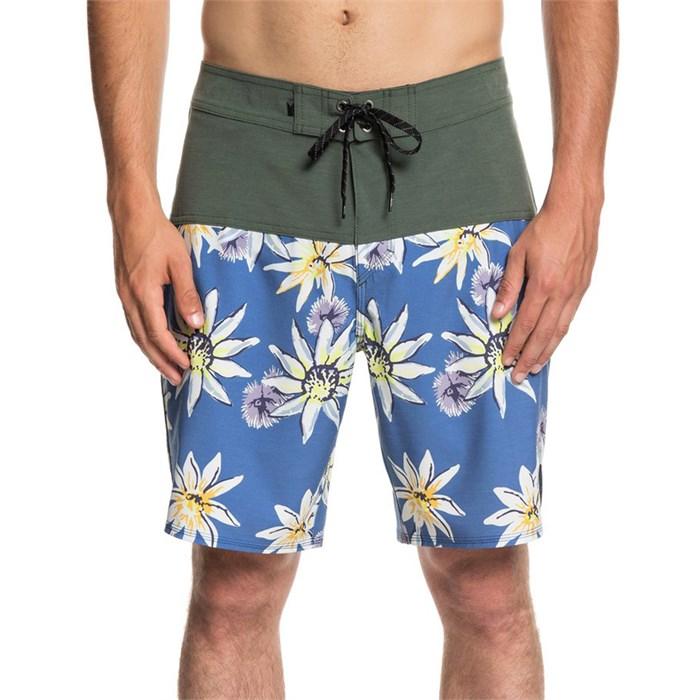 "Quiksilver - Highline Devils Tea 19"" Boardshorts"