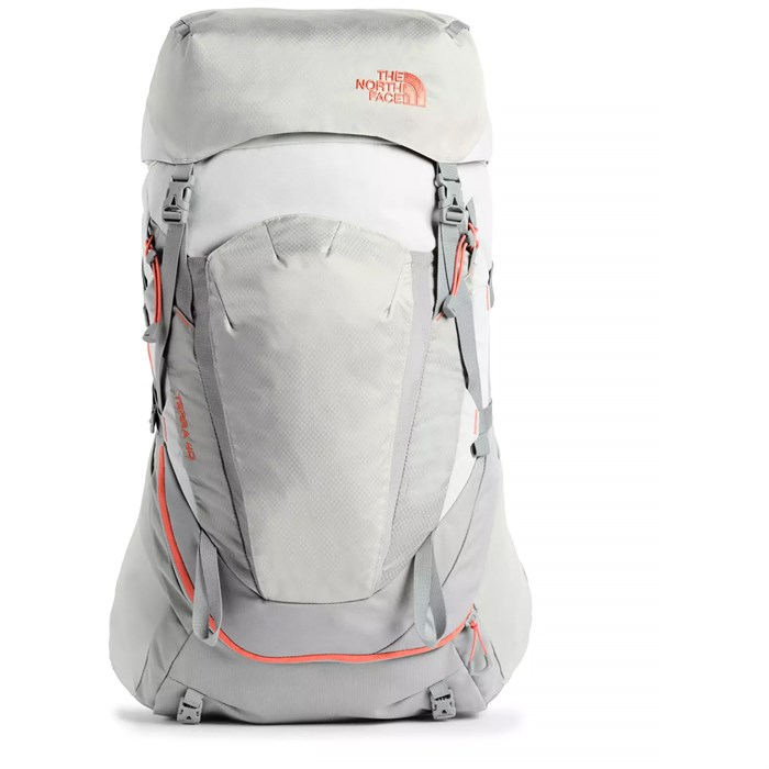 The North Face - Terra 40L Backpack - Women's