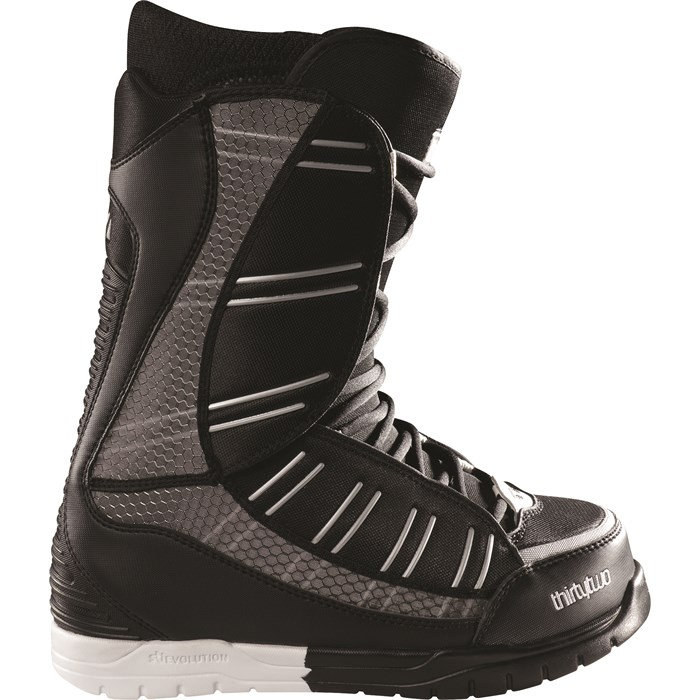 32 - Ultralight Snowboard Boots 2011