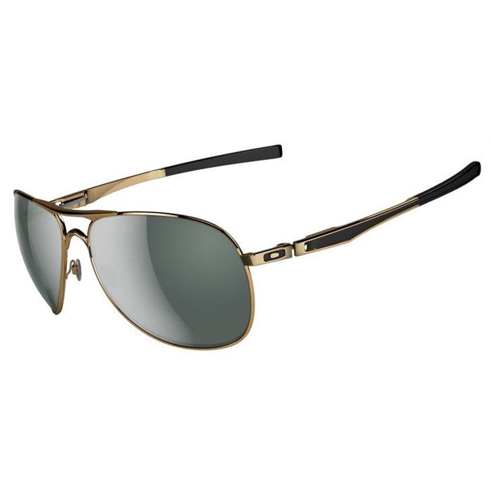 Oakley - Plaintiff Sunglasses