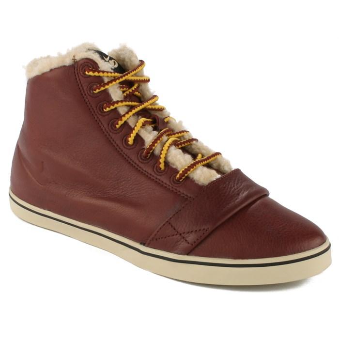 Nike - Balsa Mid Lite Premium Shoes - Women's