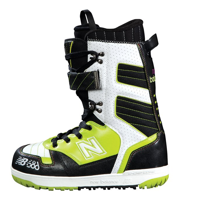 686 - 790 Snowboard Boots 2012