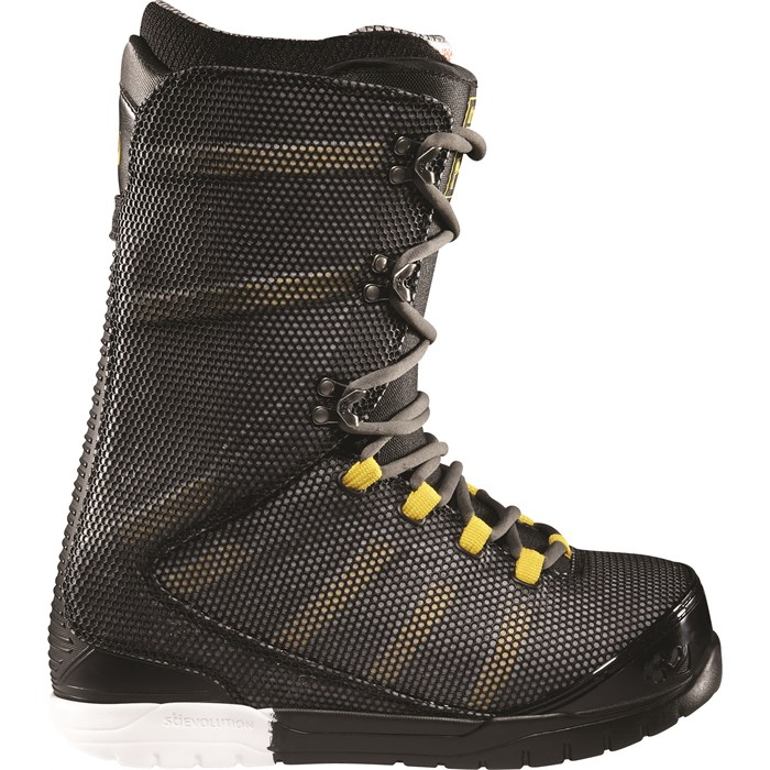 32 - Ultralight Snowboard Boots 2012