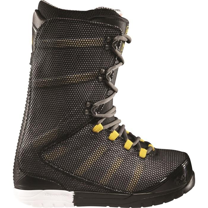 dc2fa63de thirtytwo - 32 Ultralight Snowboard Boots 2012 ...