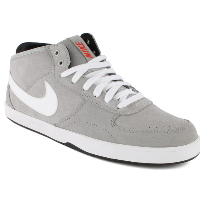 Nike - Mavrk Mid 3 Shoes