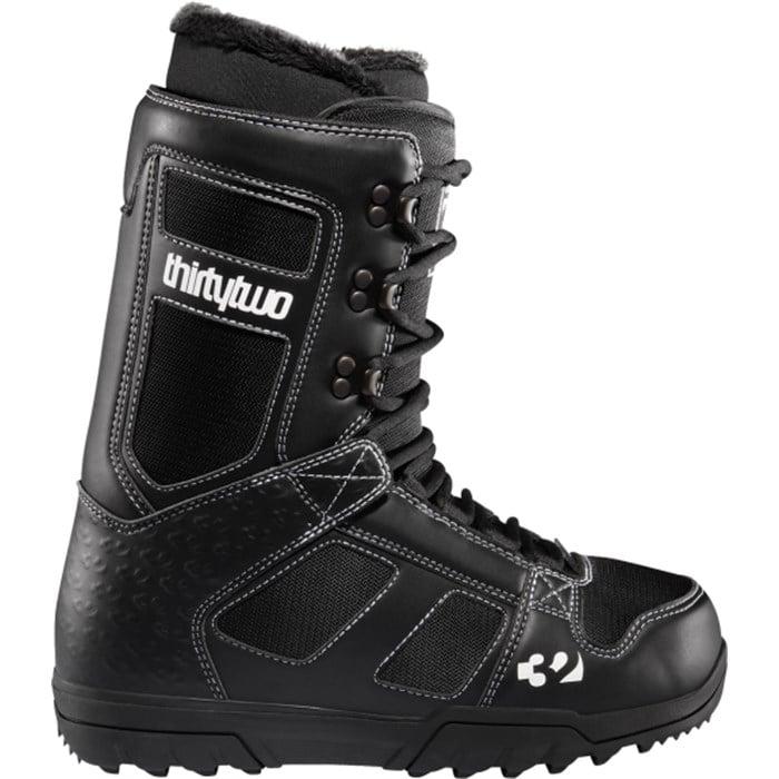 32 - Exus Snowboard Boots 2012