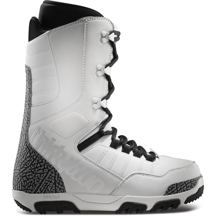 32 - Prion Snowboard Boots 2013