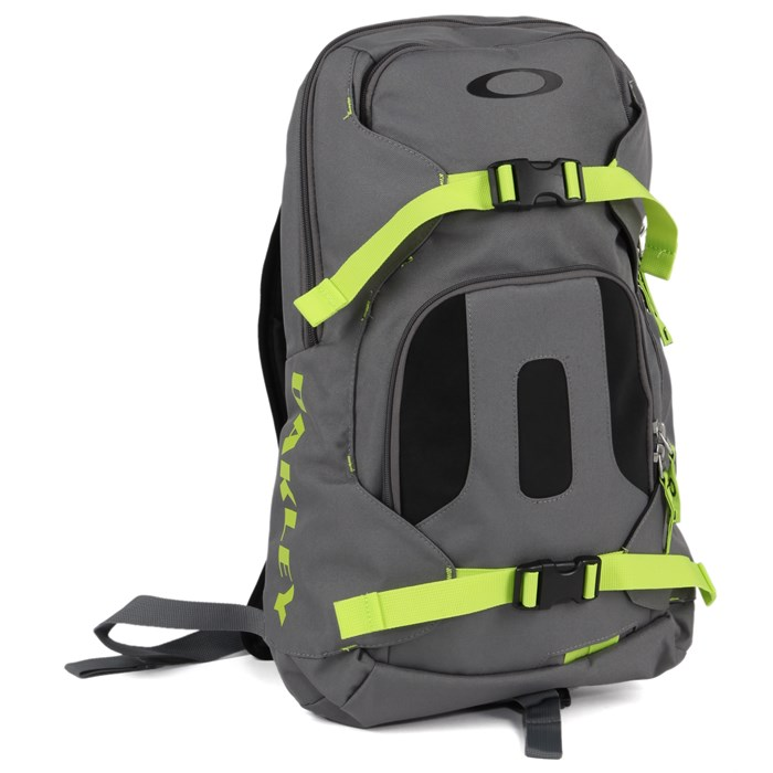Oakley - Snowmad Day Backpack