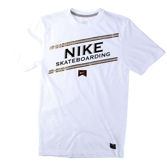 Nike - Premium Dri-Fit T-Shirt