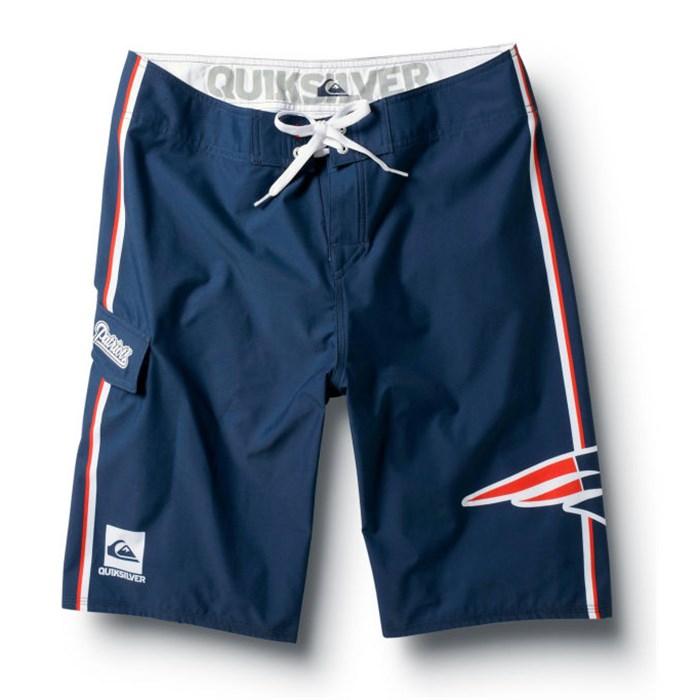 "Quiksilver - Patriots NFL 22"" Boardshorts"