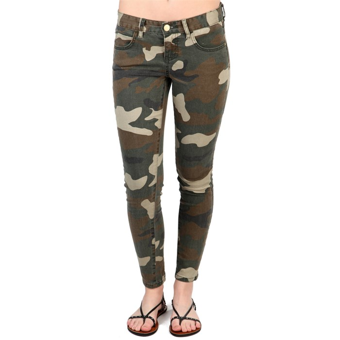 Billabong - Seeker Camo Jeans - Women's