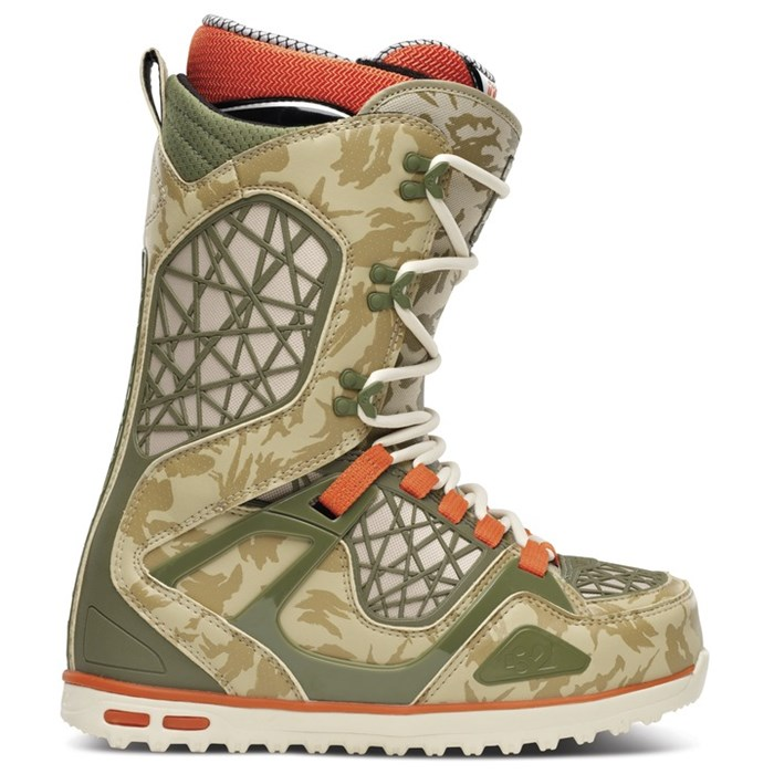 32 - TM-Two Snowboard Boots 2014