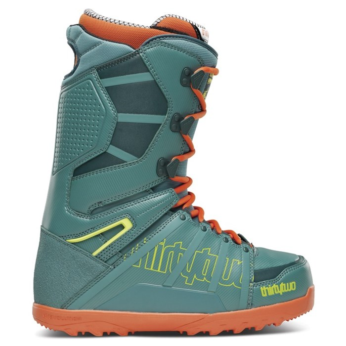 32 - Lashed Snowboard Boots 2014