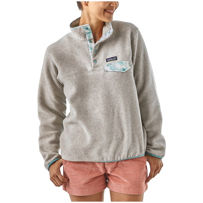 Patagonia - Lightweight Synchilla Snap-T Pullover Fleece - Women s ... 7ea5de0f4