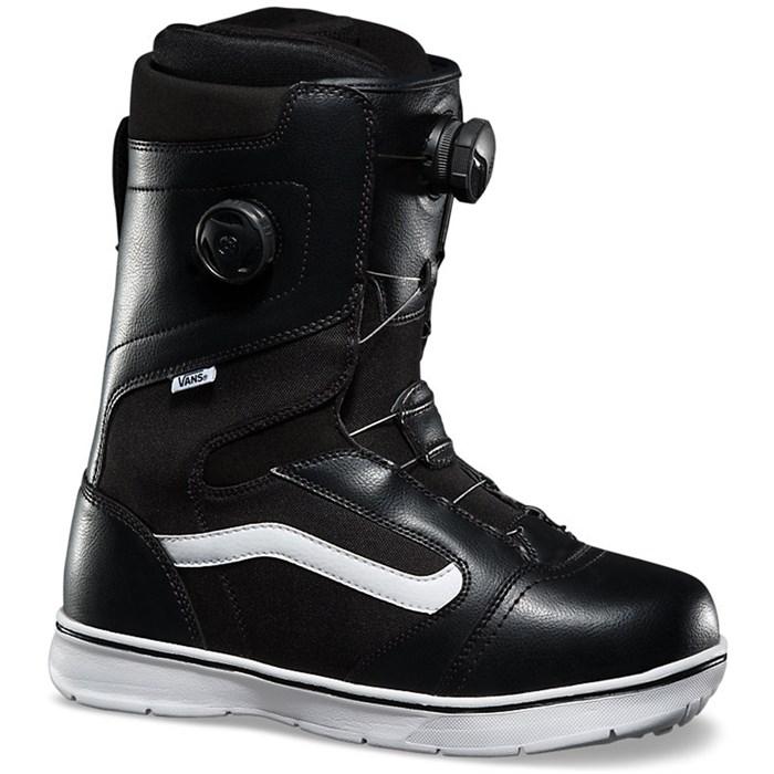 71eb6d4674 Vans - Aura Snowboard Boots 2016 ...