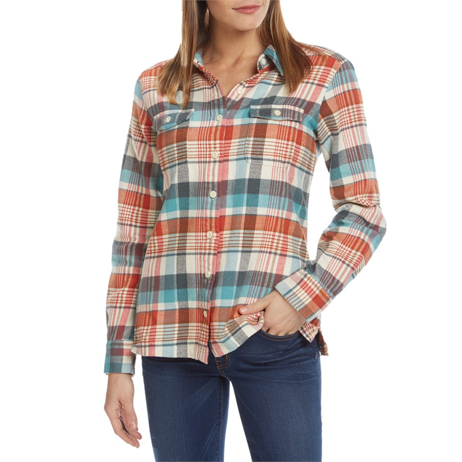 Patagonia fjord flannel shirt women 39 s evo outlet for Girl in flannel shirt