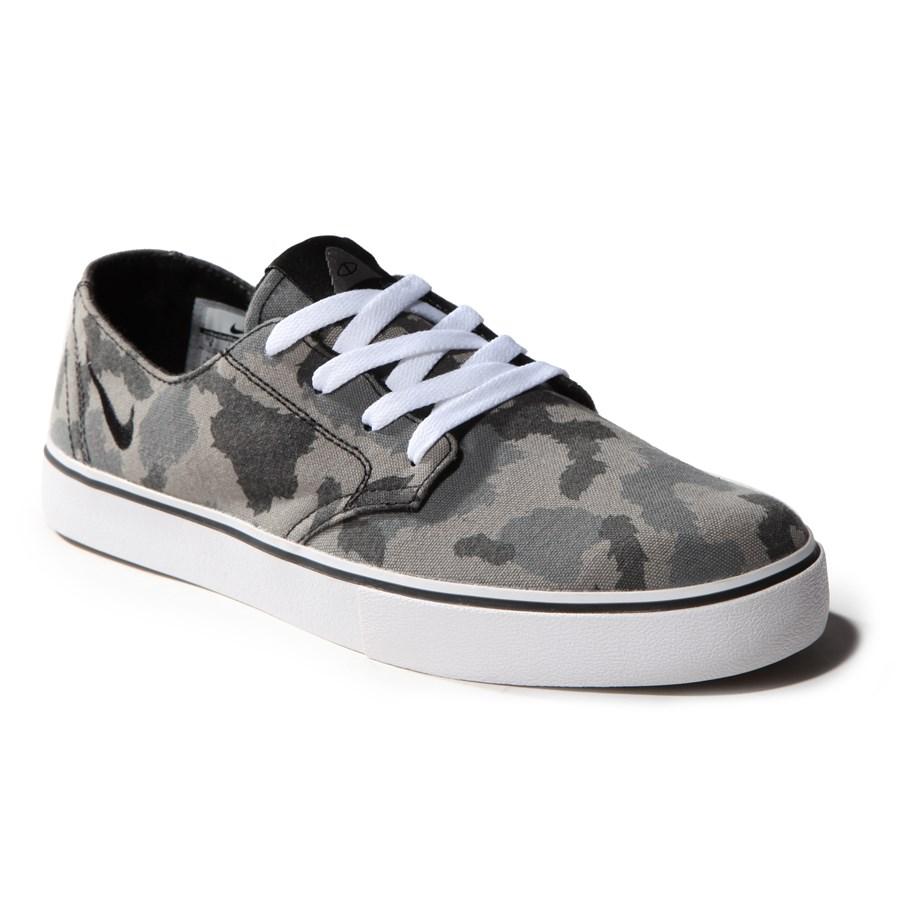 Nike Braata Canvas Shoes
