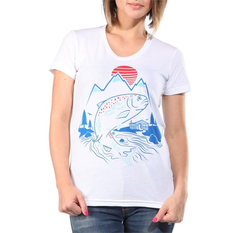 Casual industrees casual fishing t shirt women 39 s evo for Fishing shirts for women