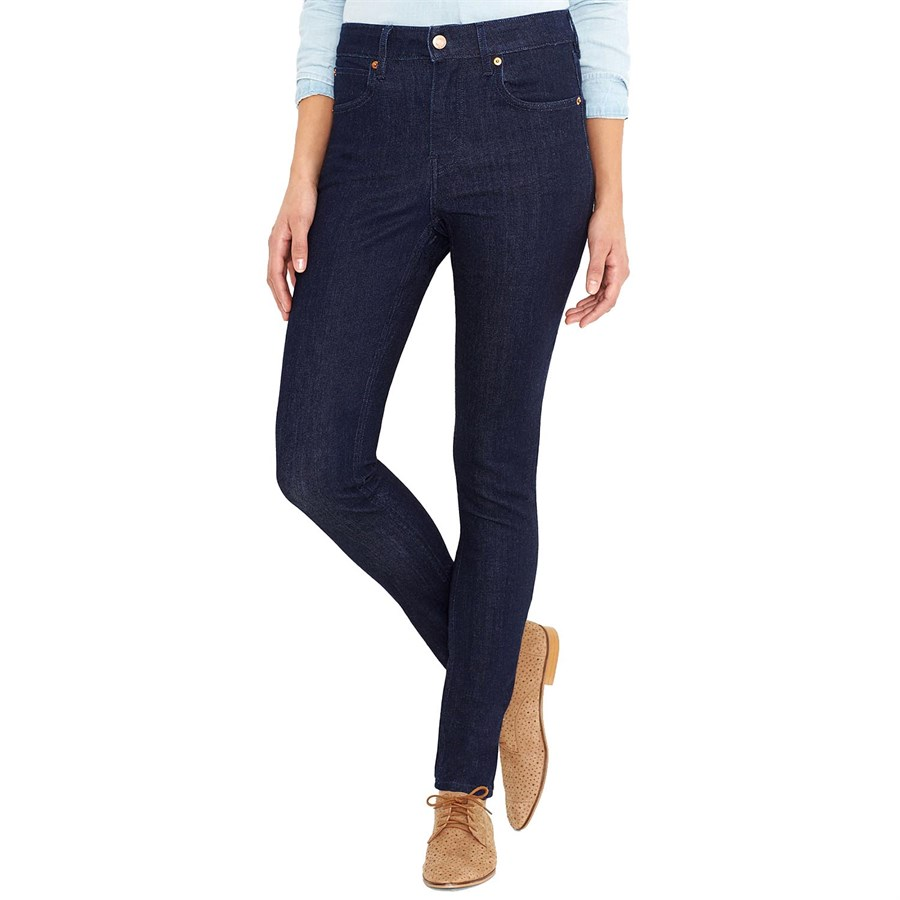 Get the skinny on mid-rise jeans: A universally comfortable and flattering fit that sits just below the curve of your waist. Levi's® classic skinny is cut from comfortable stretch denim and will look great on you/5().