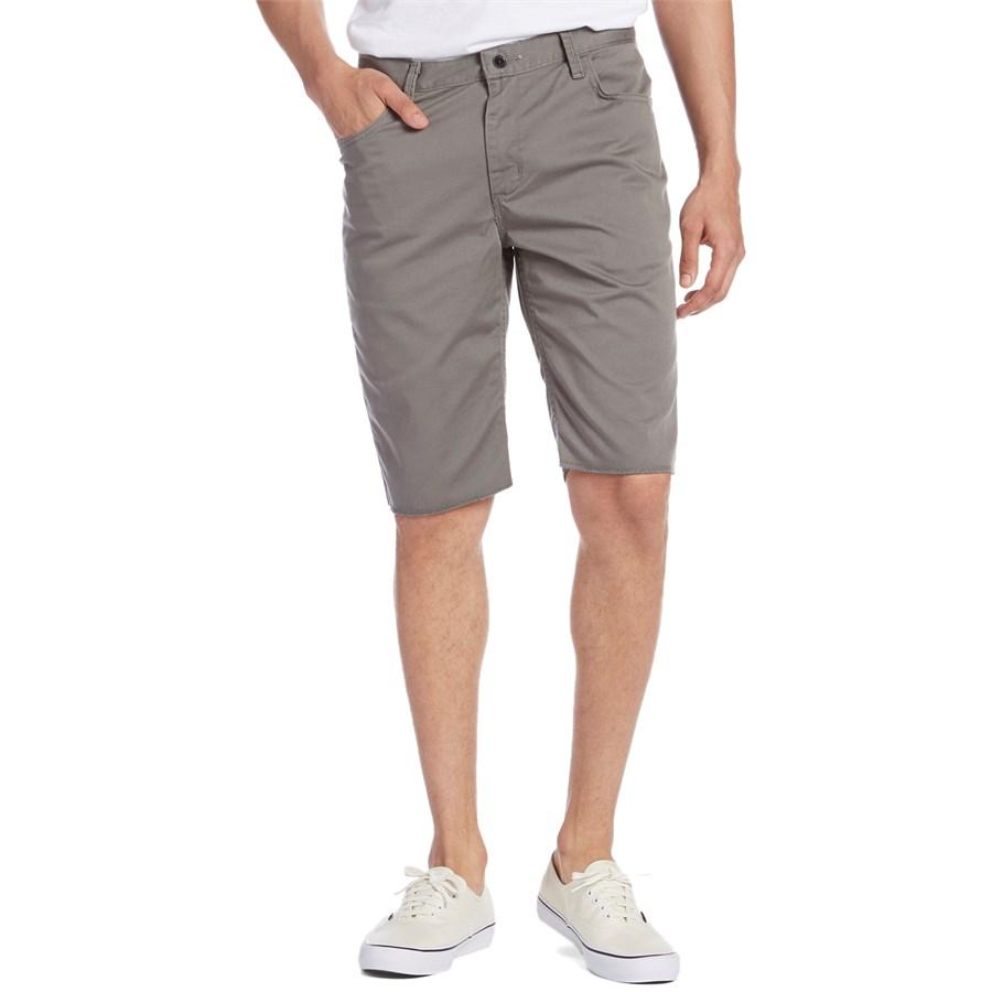 Vans AV Covina II Shorts | evo