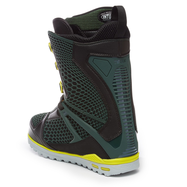32 TM-Two Dylan Thompson Pro Model Snowboard Boots 2016  f4fbb0e6fad8